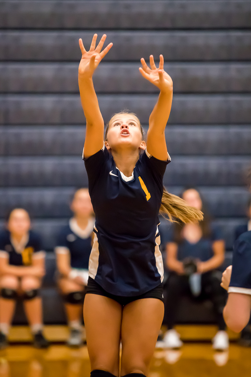 Clarkston Freshman Volleyball Player
